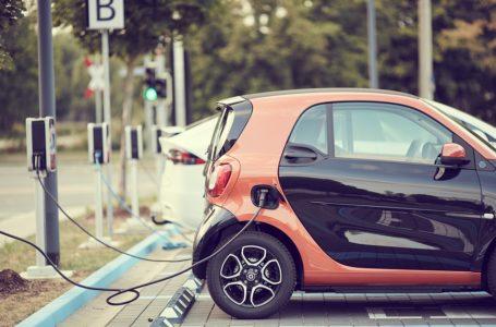 Mobilità, il car sharing non decolla: le associazioni propongono 4 soluzioni a Governo e Comuni