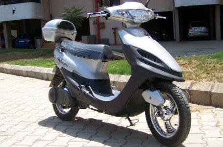 Mobilità sostenibile, batterie litio-carbonio per ricaricare lo scooter elettrico in 90 secondi