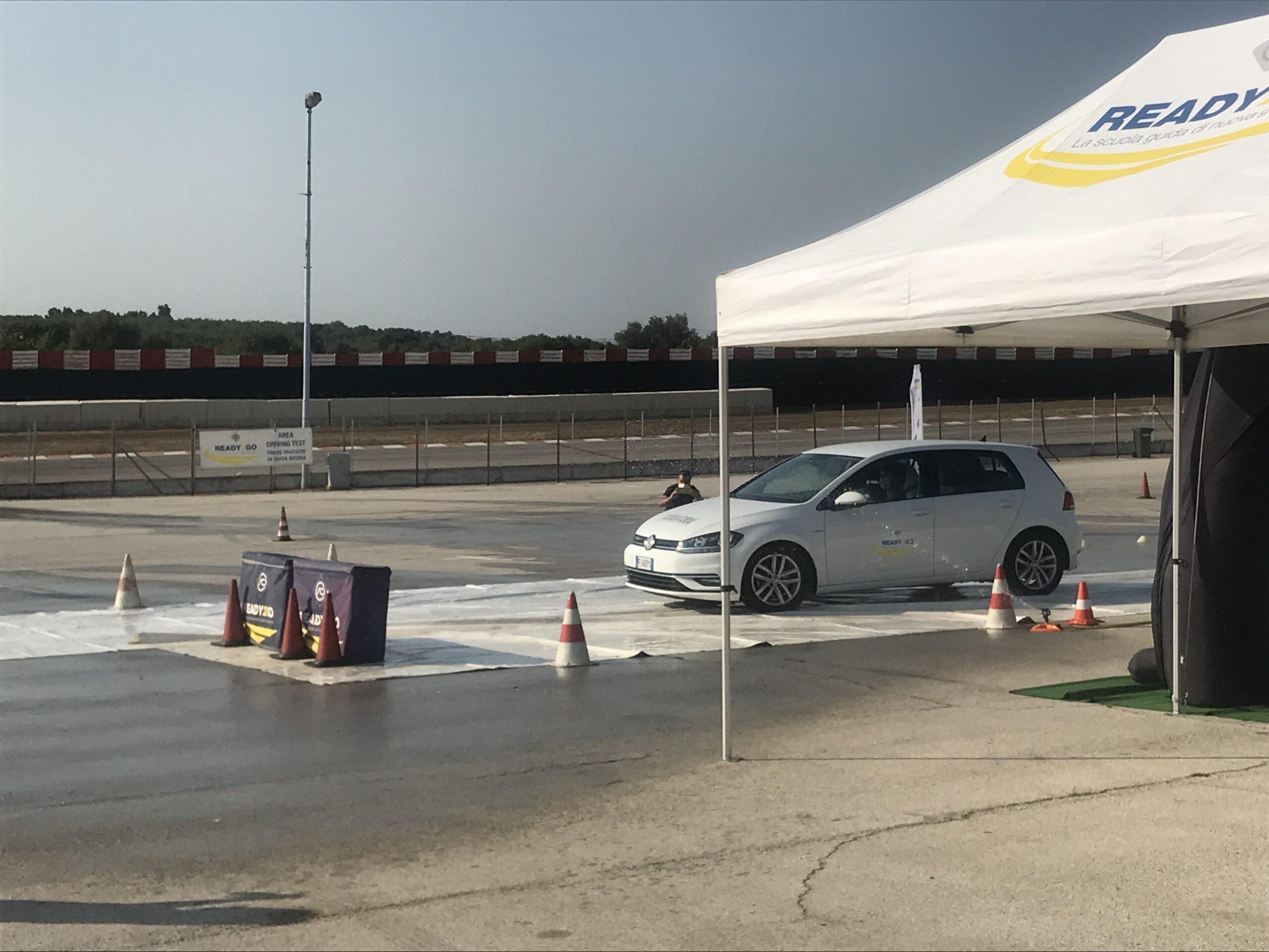 Slalom e prove di frenata: giornata sulla guida sicura firmata Aci Bari-Bat e Ready2Go all'Autodromo del Levante