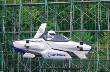Ecco la prima auto volante: il test in Giappone