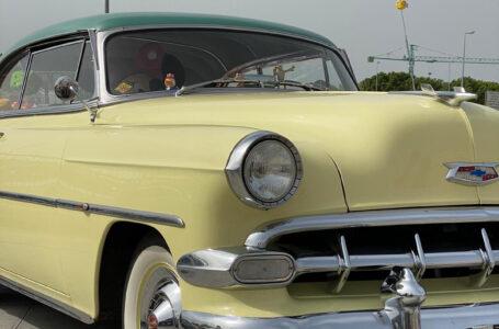 Concorso di eleganza per auto d'epoca ad Andria: premiata la Chevrolet Belair Coupé Hard Top proveniente dalla California
