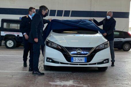 """Gruppo Picca consegna un'auto elettrica alla polizia locale di Monopoli: """"Il green è una delle nostre sfide"""""""