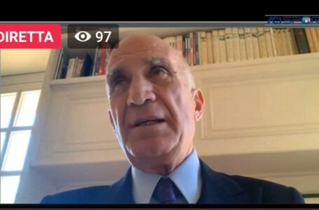 Caschi d'oro 2020, Angelo Sticchi Damiani premia il presidente Fia Jean Todt