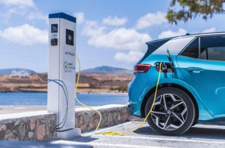 """Mobilità, in Grecia un'isola come laboratorio """"green"""": solo auto elettriche e soluzioni eco-sostenibili"""