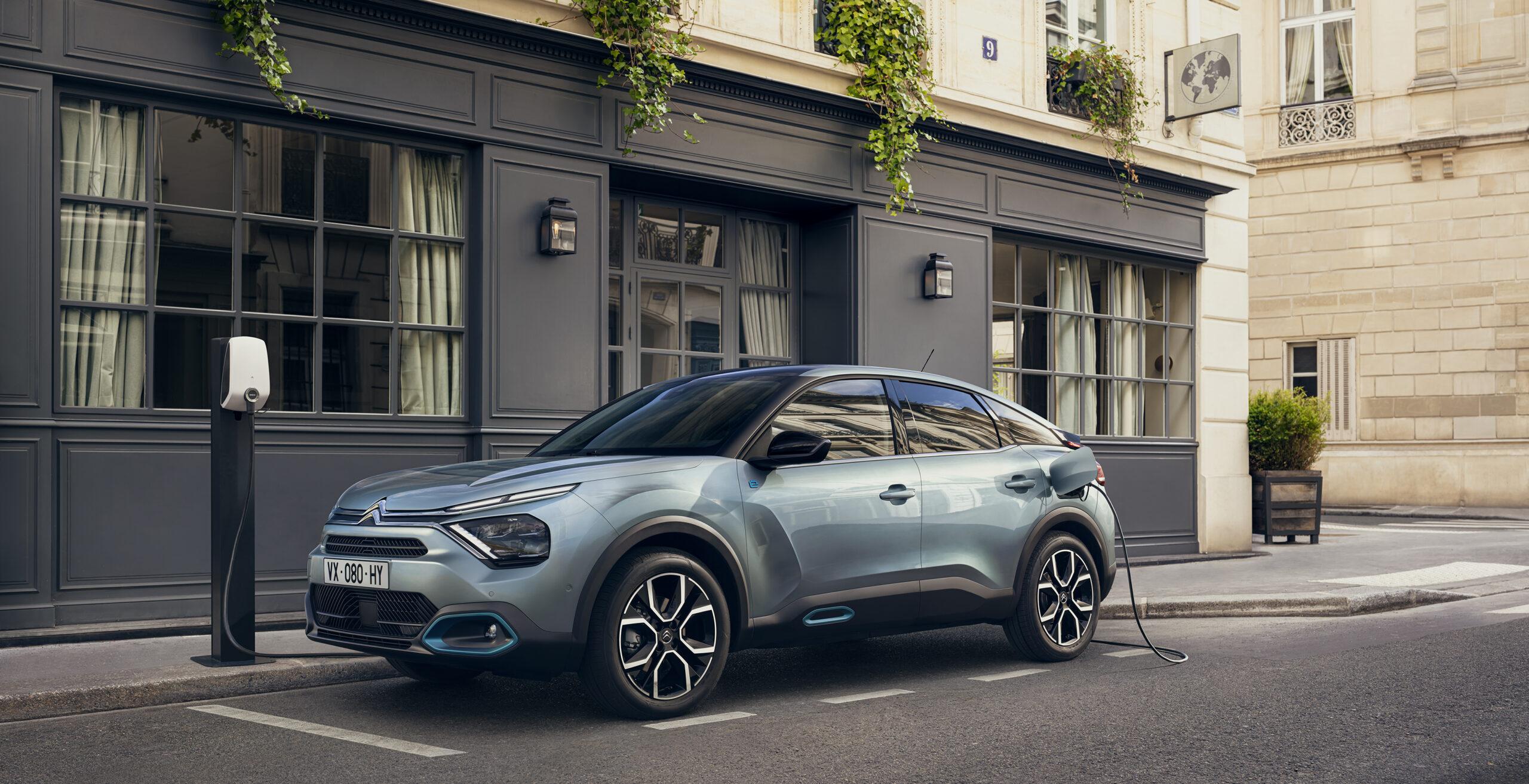 """Guida facile, sicura e """"connessa"""", anche per i neopatentati: la Citroën presenta la nuova ë-C4 -100% ëlectric"""