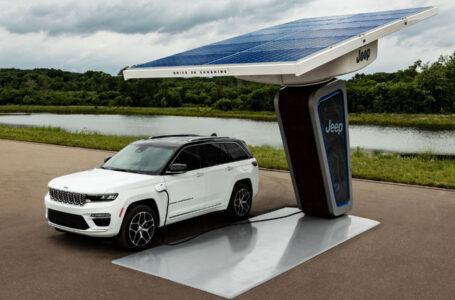 Ecco la nuova Jeep® Grand Cherokee 4xe plug-in hybrid 2022: svelate le prime immagini