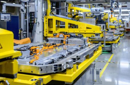 Batterie, Mercedes-Benz con Grob-Werk per passaggio completo a elettrico