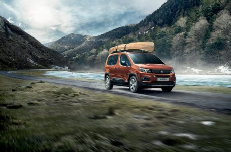 Fuga verso il mare con il nuovo Peugeot Rifter: disponibile anche in versione 100% elettrica