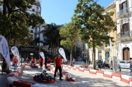 """Bari, arriva """"Karting in piazza"""": in piazza Libertà un mini percorso per gli alunni delle scuole della città"""